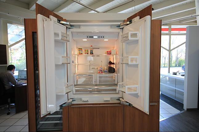 Bulthaup musterkuche bulthaup siemens a cool kuhlschrank for Kühlschrank unterbauf hig