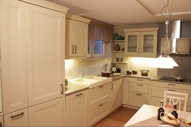 bauformat musterk che romantische landhausk che in l form echt lack oberfl che. Black Bedroom Furniture Sets. Home Design Ideas