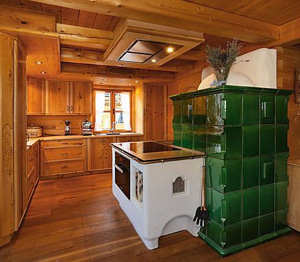 Rustikale Massivholzküche aus dem Hause Erndl