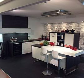 Nolte musterkuche moderne u kuche mit eckspule for Küchen kaiserslautern