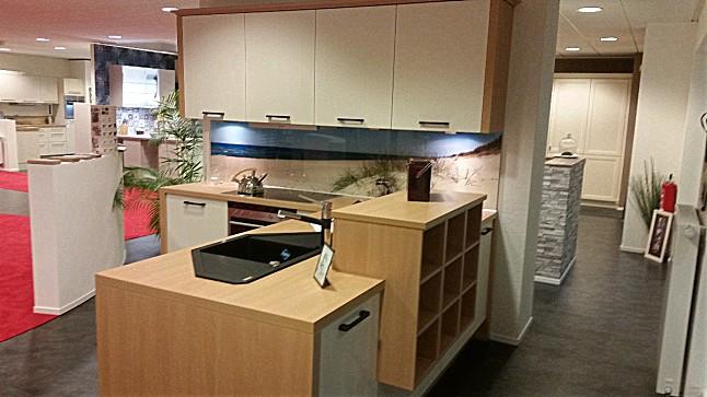 wellmann musterk che modernes landhaus ausstellungsk che in scharbeutz gleschendorf von. Black Bedroom Furniture Sets. Home Design Ideas