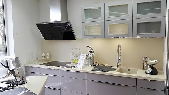 Nobilia-Musterküche Moderne Küche In Grau Hochglanz