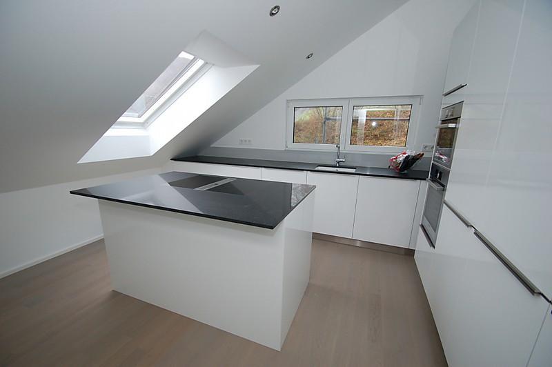 bora kochfeldsystem kunststeinplatte wandverkofferung und glasr ckw nde k che von familie n. Black Bedroom Furniture Sets. Home Design Ideas