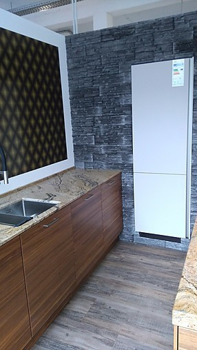 next125 musterk che sonderabverkauf next125 im einklang mit natur und preis ausstellungsk che. Black Bedroom Furniture Sets. Home Design Ideas