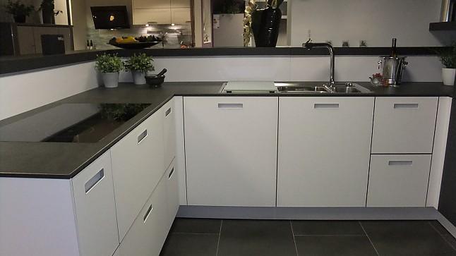 next125 musterk che moderne k che mit glasfront. Black Bedroom Furniture Sets. Home Design Ideas