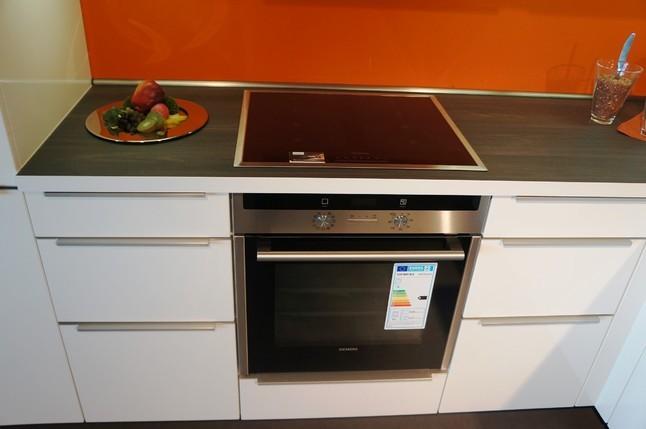 Alno musterkuche einbaukuche musterkuche koje 201a for Alnosign küche