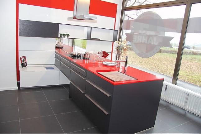 leicht musterk che sportliche designerk che ausstellungsk che in teising von kkl k chen. Black Bedroom Furniture Sets. Home Design Ideas
