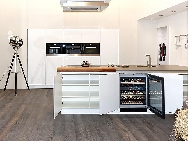 sch ller musterk che luxus musterk che mit berragender voll ausstattung dampfgarer mit. Black Bedroom Furniture Sets. Home Design Ideas