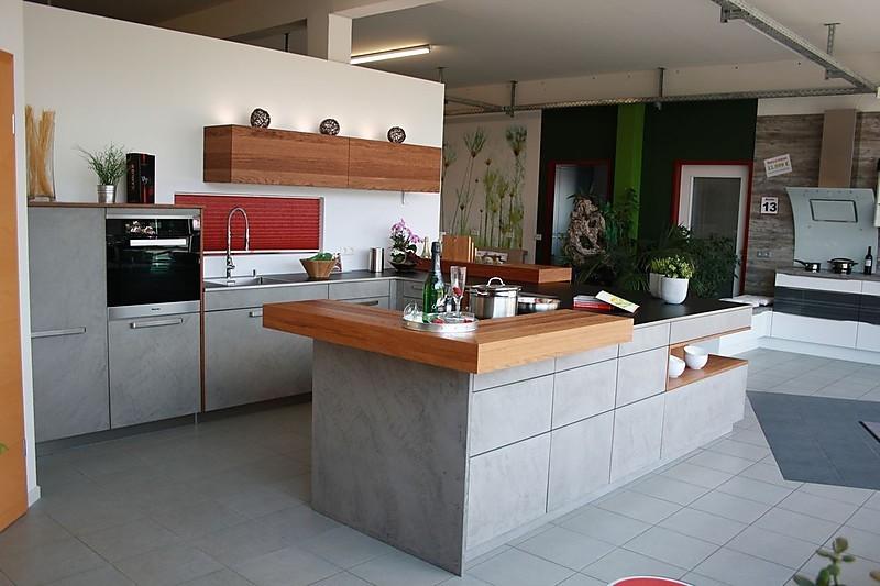 remppmusterküche beton front mit kupfereiche abgesetzt
