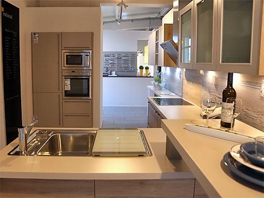 linea musterk che zeitlose k che mit thekenl sung zum. Black Bedroom Furniture Sets. Home Design Ideas