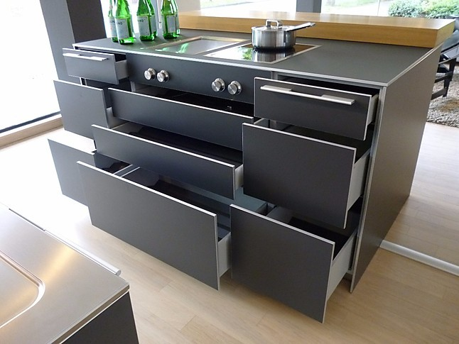 bulthaup musterk che k che in laminat graphit mit. Black Bedroom Furniture Sets. Home Design Ideas