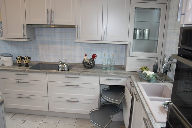 nobilia musterk che romantische landhausk che mit. Black Bedroom Furniture Sets. Home Design Ideas