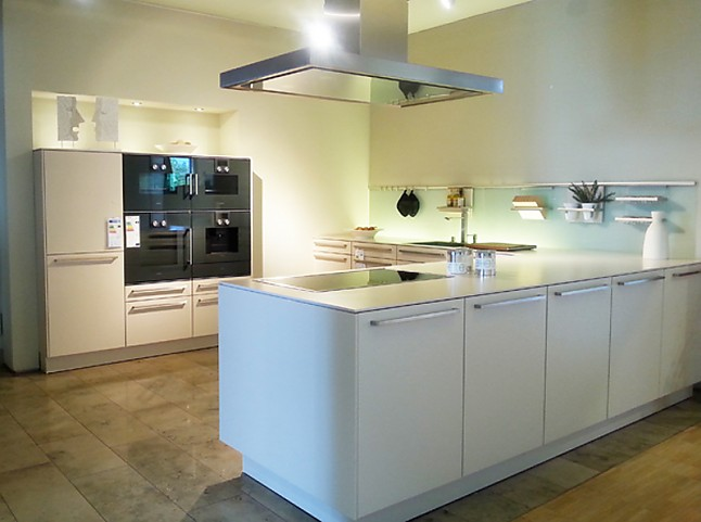 siematic musterk che elegante klassische siematic k che ausstellungsk che in moers kapellen. Black Bedroom Furniture Sets. Home Design Ideas