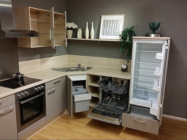 Nobilia Musterküche Raffinierte L Küche Mit Eckspüle In Holzoptik