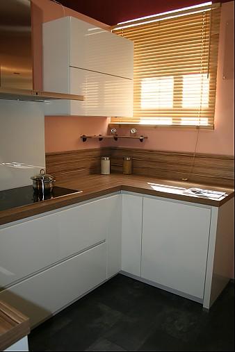 alno-musterküche moderne lackküche grifflos mit top ausstattung ... - Alno Küchen Grifflos