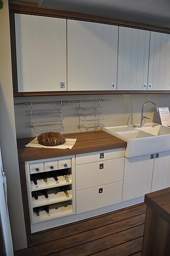 sch ller musterk che moderne landhausk che mit kochinsel ausstellungsk che in eckernf rde von. Black Bedroom Furniture Sets. Home Design Ideas
