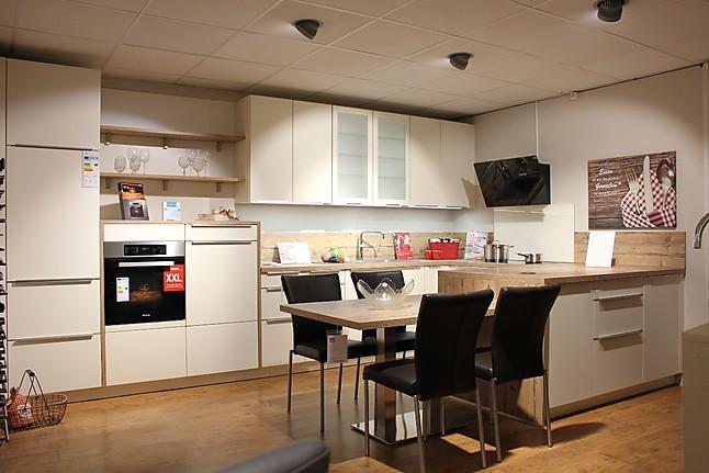 global k chen musterk che u k che mit aufgesetzten griffleisten edelstahlfarbig mit bistro. Black Bedroom Furniture Sets. Home Design Ideas