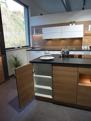 rempp musterk che k chenzeile mit insel ausstellungsk che. Black Bedroom Furniture Sets. Home Design Ideas