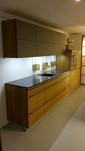 team 7 musterk che k chenzeile mit insel in eiche. Black Bedroom Furniture Sets. Home Design Ideas