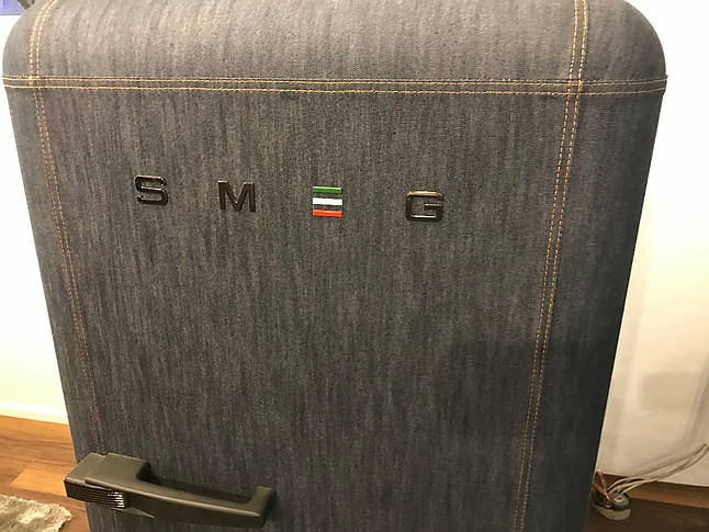 Retro Kühlschrank Von Smeg : Kühlschrank fab28rdb retro standkühlschrank mit denim jeans
