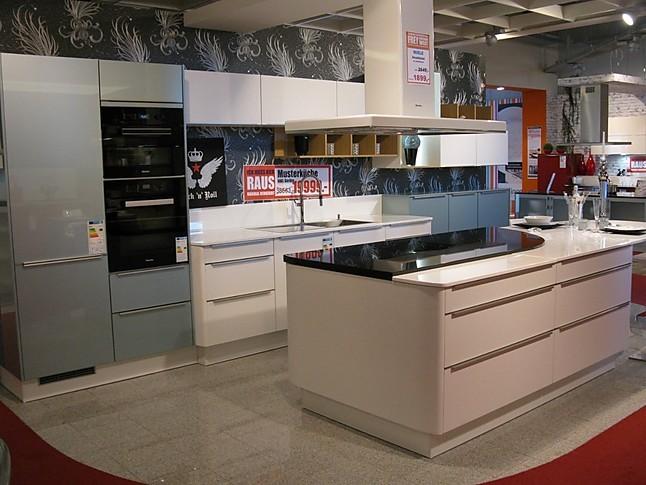 Wellmann Musterkuche Moderne Culineo Hochglanz Kuche Mit Glasfronten