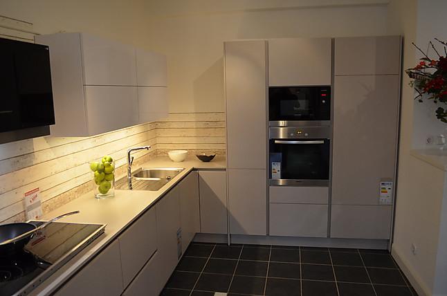 nobilia musterk che nobilia grifflose l k che sand matt. Black Bedroom Furniture Sets. Home Design Ideas