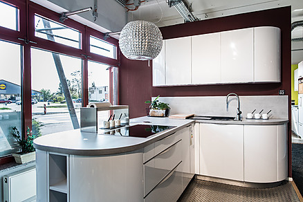 Moderne Designküche bei Küche Aktiv in Kaulsdorf