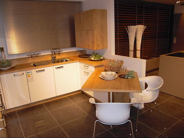nolte musterk che moderne wohnliche k che mit sitzgelegenheit robust und pflegeleicht. Black Bedroom Furniture Sets. Home Design Ideas