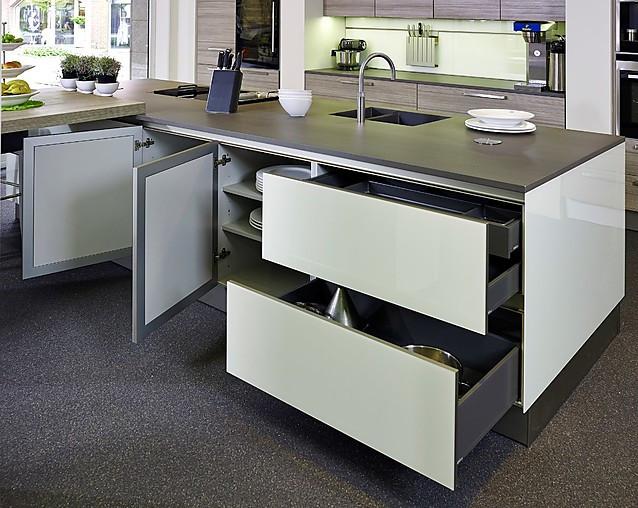 next125 musterk che sch ne funktionsk che in hochglanz. Black Bedroom Furniture Sets. Home Design Ideas