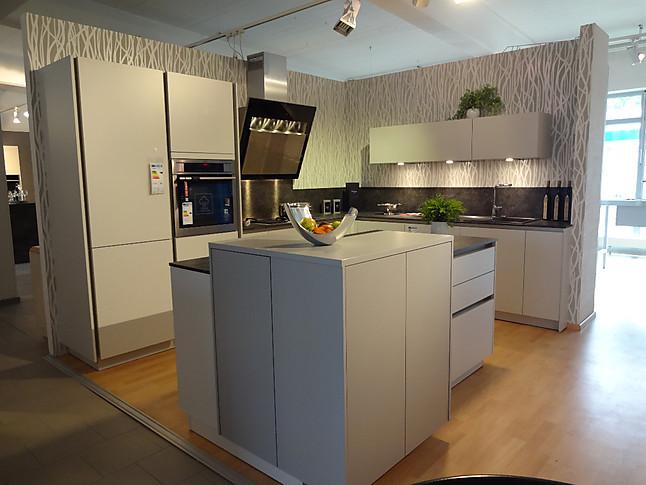 sch ller musterk che inselk che sch ller mit toller ausstattung ausstellungsk che in westhausen. Black Bedroom Furniture Sets. Home Design Ideas