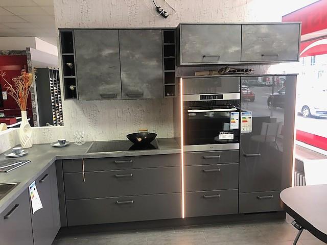 L-Küche in Hochglanz Lack Schiefergrau