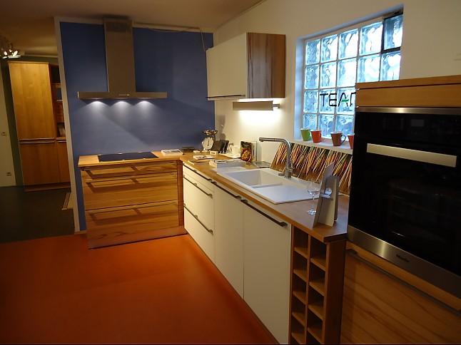 team 7 musterk che die attraktive kostenbewu te massivholzk che ausstellungsk che in von. Black Bedroom Furniture Sets. Home Design Ideas
