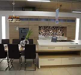 nolte musterk che modern und zeitlos im design ausstellungsk che in schwandorf von mega. Black Bedroom Furniture Sets. Home Design Ideas