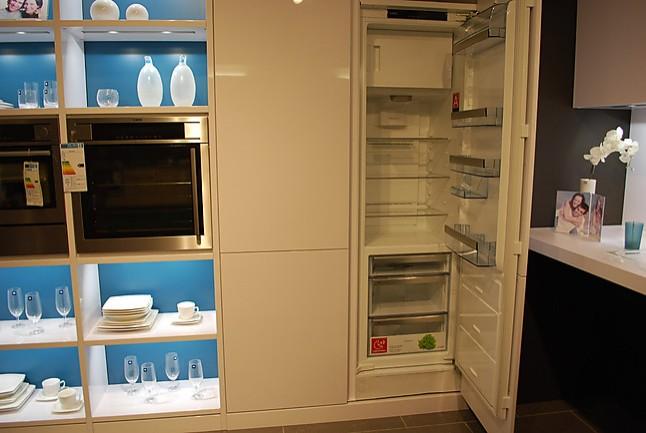 Buhl Küchen leicht musterküche moderne designerküche mit farbkombination ausstellungsküche in wolfsburg