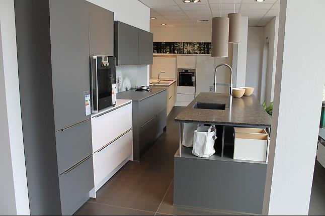Musterküche Küchenzeile ~ sonstige musterküche küchenzeile mit inselblock ausstellungsküche in peiting von küchenhaus