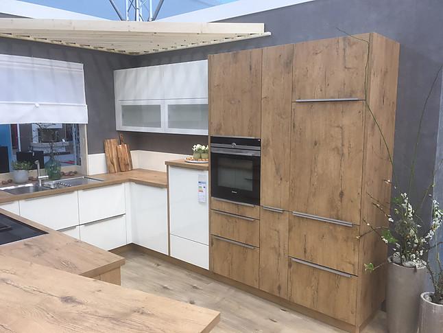 bauformat-Musterküche Moderne Küche mit Holz und Hochglanzdekor ...