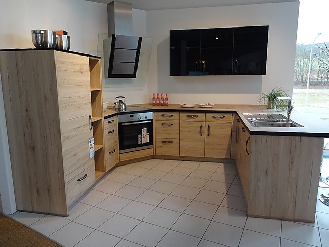 nobilia musterk che nobilia holzk che riva umplanbar sonderpreis ausstellungsk che in. Black Bedroom Furniture Sets. Home Design Ideas