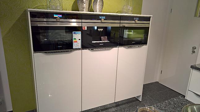 nobilia musterk che vetra glas wei hochglanz ausstellungsk che in bad schwartau von. Black Bedroom Furniture Sets. Home Design Ideas