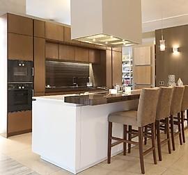 zeyko musterk che zeyko musterk che mit quarzsteinarbeitsplatte ausstellungsk che in maisach. Black Bedroom Furniture Sets. Home Design Ideas