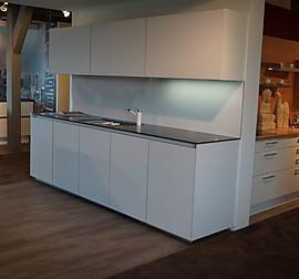 next125 musterk che kochtisch design im einklang mit natur und preis ausstellungsk che in. Black Bedroom Furniture Sets. Home Design Ideas