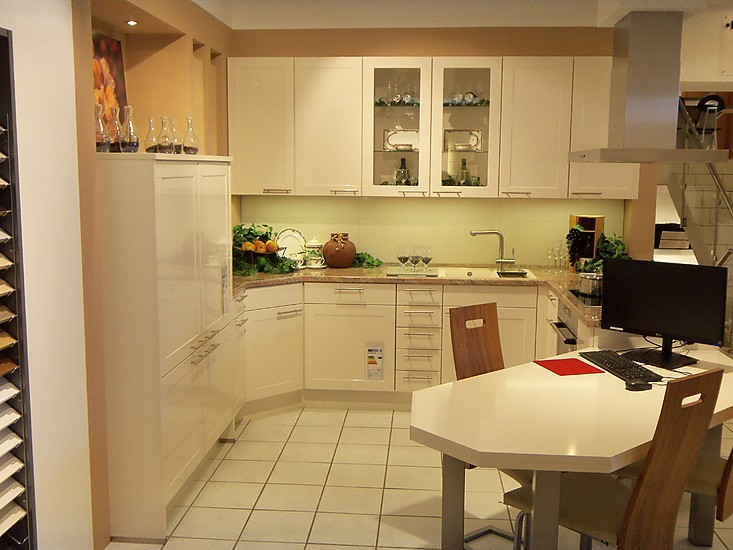 nobilia musterk che nobilia arte magnolia ausstellungsk che in bad schwartau von k chentreff. Black Bedroom Furniture Sets. Home Design Ideas