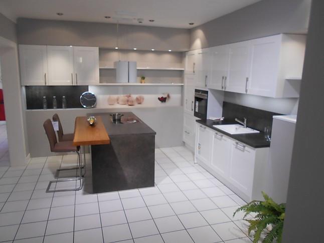 Schüller malta hochglanz küche mit kochinsel