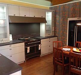 impuls musterk che gem tliche u k che mit landhaus feeling ausstellungsk che in l beck von. Black Bedroom Furniture Sets. Home Design Ideas