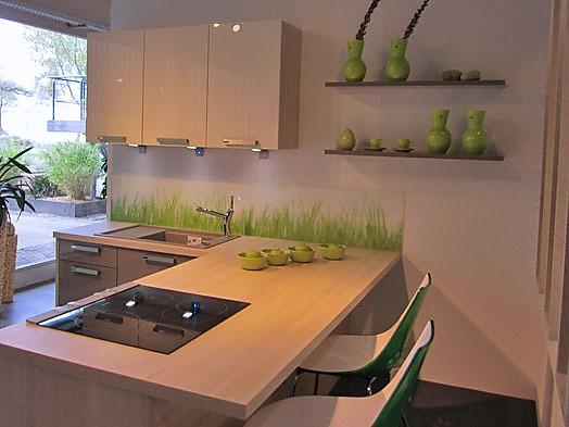 inpura musterk che moderne k che mit thekenl sung zum abverkaufspreis ausstellungsk che in. Black Bedroom Furniture Sets. Home Design Ideas