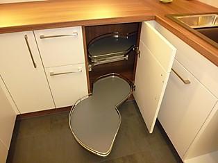 schmidt k chen musterk che ausstellungsk che ausstellungsk che in stuttgart untert rkheim von. Black Bedroom Furniture Sets. Home Design Ideas