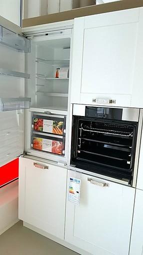 nobilia musterk che cottage wei maracaibo dunkel ausstellungsk che in zwickau von. Black Bedroom Furniture Sets. Home Design Ideas