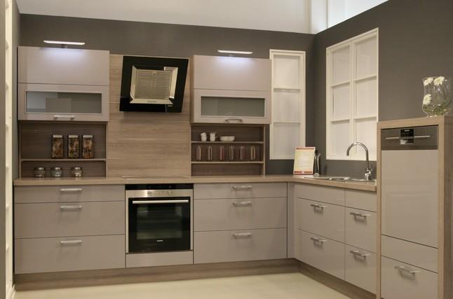 nobilia musterk che edel modern platinum splinteiche. Black Bedroom Furniture Sets. Home Design Ideas