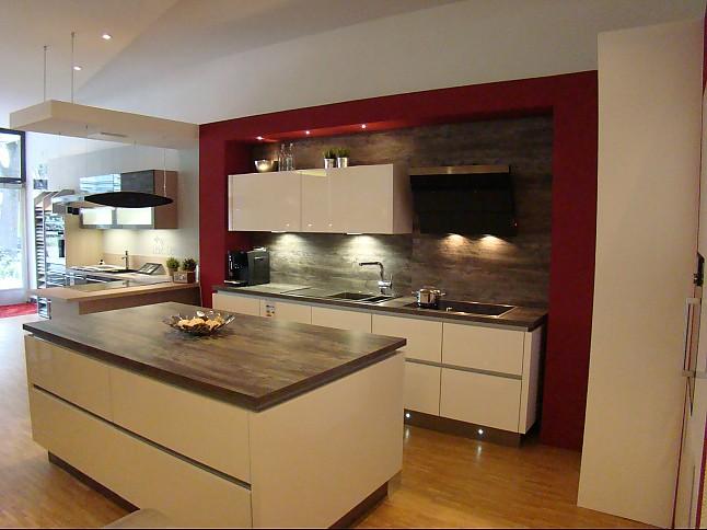 Omt Küchen artego musterküche moderne küche mit insel lackfront