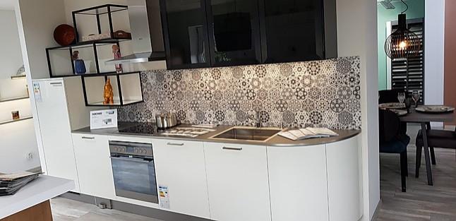 Häcker-Musterküche moderne Küchenzeile in weiß Hochglänzend ...