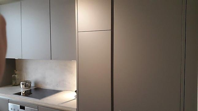 kuche grau matt, nobilia-musterküche u-küche grifflos grau matt: ausstellungsküche in, Design ideen